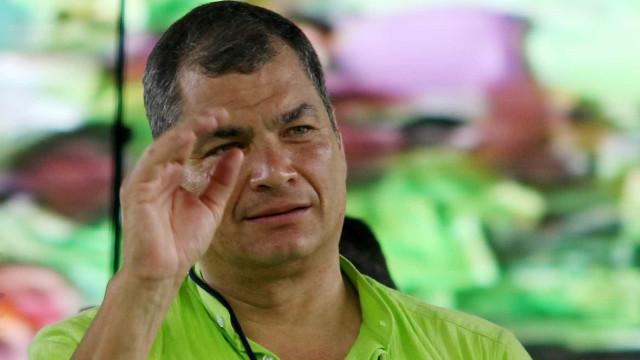 Equador: povo rejeita volta de Rafael Correa em referendo