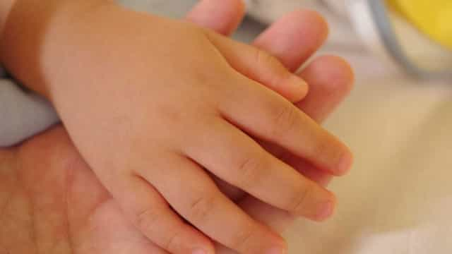 Menino tem morte cerebral após se engasgar com salsicha