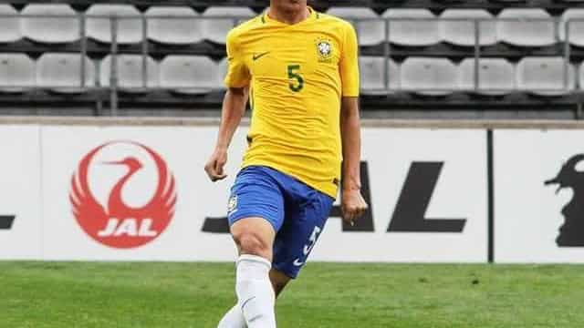 Flamengo contrata meia da seleção brasileira sub-20