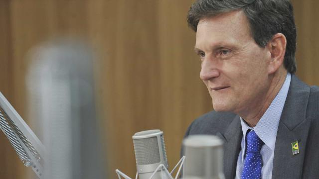 MP instaura inquérito para investigar viagem de Crivella no carnaval