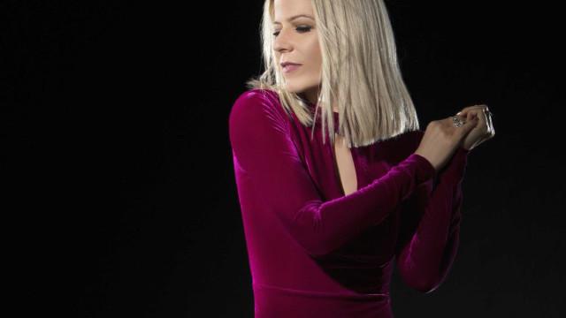 Paula Toller grava uma das últimas faixas lançadas por Chorão