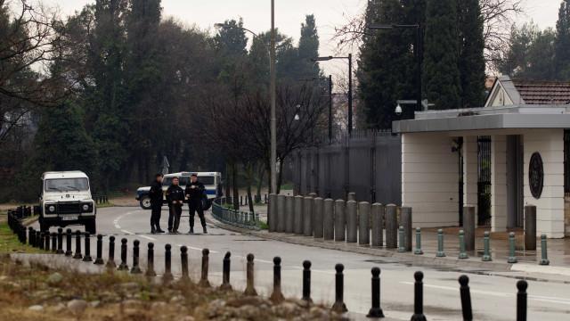 Embaixada dos Estados Unidos em Montenegro é alvo de atentado