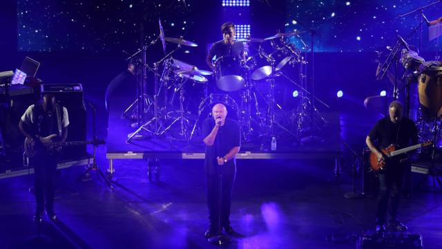 Phil Collins leva público de volta aos anos 1980 em show no Rio
