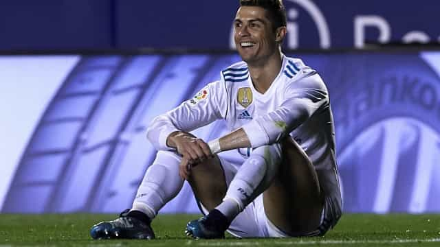 Cristiano Ronaldo diz que já se olhou no espelho e pensou: 'Sou f***'