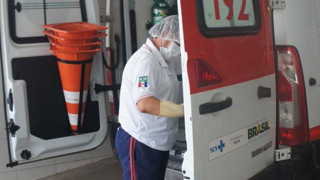 Ambulância do Samu é roubada enquanto equipe prestava atendimento