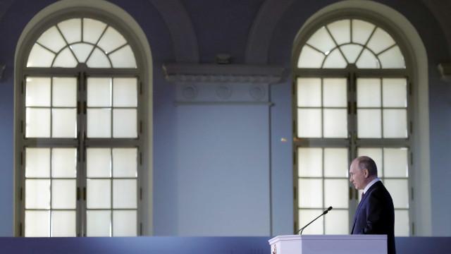OTAN diz que não quer nova Guerra Fria ou corrida armamentista
