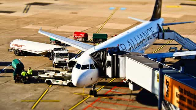 Governo volta a adquirir passagens aéreas pela compra direta