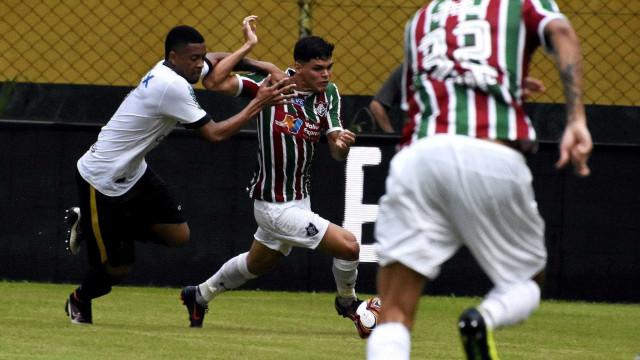 Flu vence Volta Redonda, mantém 100% na Taça Rio e fica perto da semi