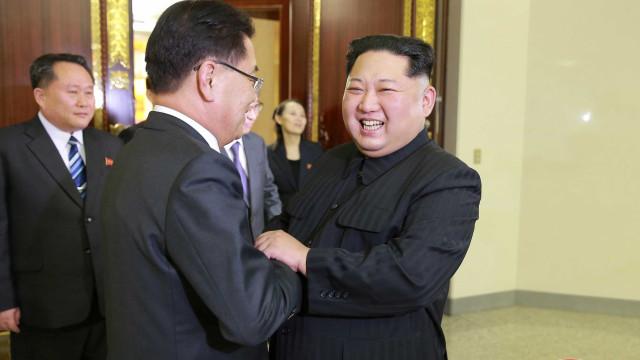 Pyongyang diz querer escrever história de unificação das Coreias