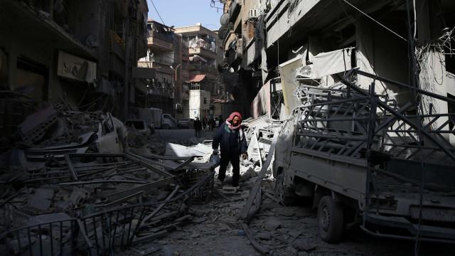 Síria: bombardeios causam 80 mortos e 300 feridos em um dia