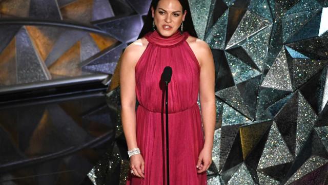 Prefeito rejeita homenagem à atriz trans que ganhou o Oscar