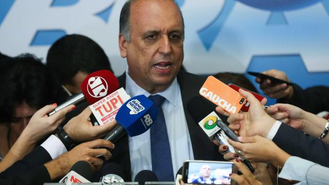 Promotoria do Rio pede afastamento de Pezão do governo