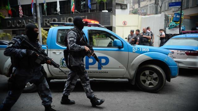 Arrastão assusta motoristas na BR-101, região metropolitana do Rio