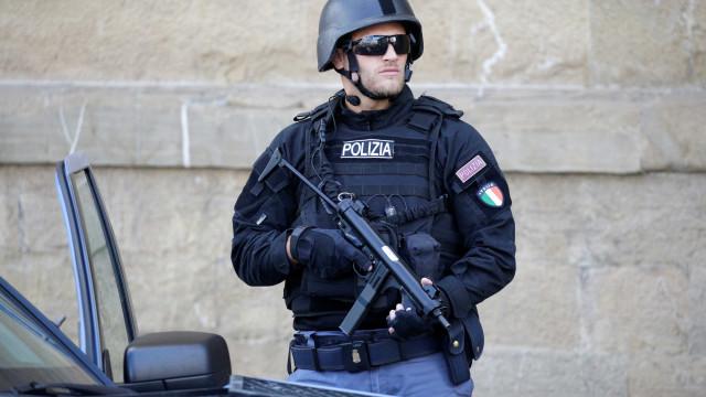 Polícia italiana prende 12 membros da máfia Cosa Nostra