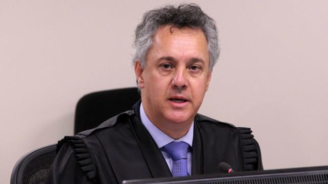 TRF-4 decide que Lula será avisado 48h antes de julgamento decisivo
