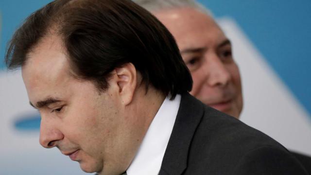 Após execução de Marielle, Rodrigo Maia retoma crítica à intervenção