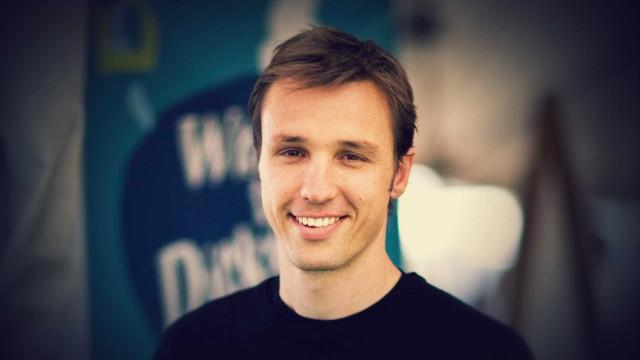 Markus Zusak vai lançar novo romance: 'Bridge of Clay'
