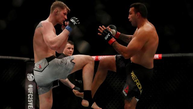 'Eu voltarei', brada Werdum após revés no UFC Londres