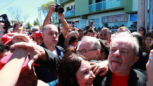 Apósprotestos em Bagé, Lula muda roteiro e improvisa local de discurso