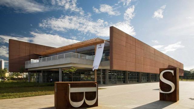 Biblioteca brasileira disputa prêmio da Feira do Livro de Londres