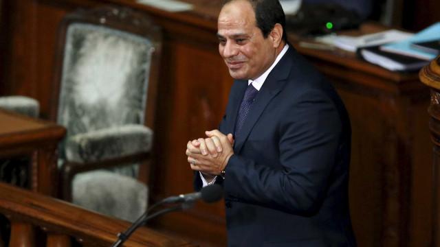 Egito vai às urnas para confirmar reeleição de Sisi