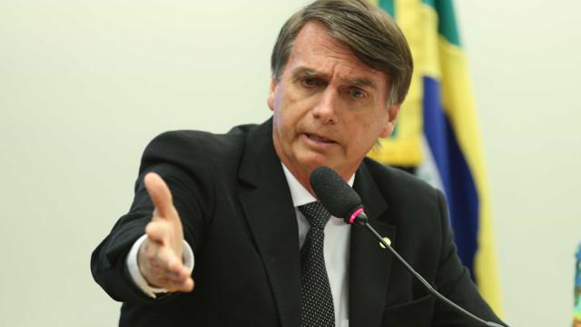 Bolsonaro diz que pode ter vice gay em chapa presidencial