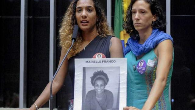 Irmã e companheira de Marielle entram com ação contra o Facebook