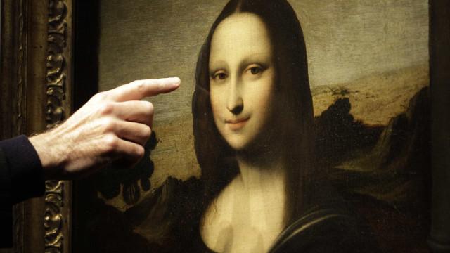 'Mona Lisa' é proibida de deixar o museu do Louvre para turnê