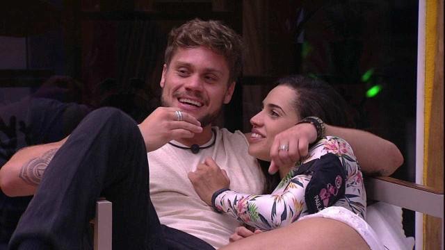 'Tem uma paixãozinha', revela Paula sobre seu relacionamento com Breno