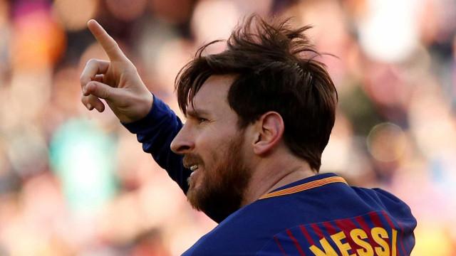 Após desfalcar a Argentina, Messi é relacionado no Barcelona