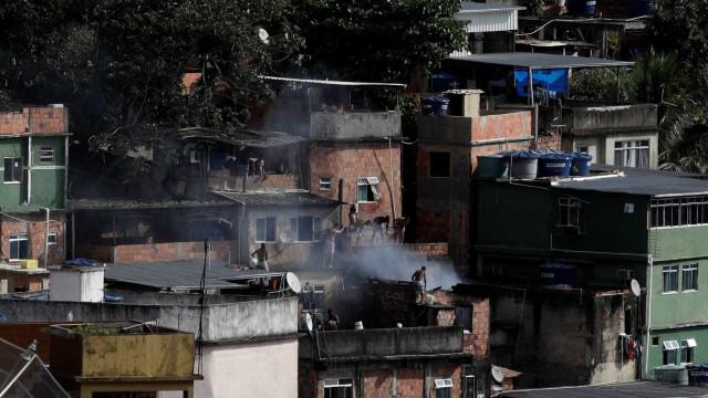 Milicianos reocupam o Rio de Janeiro