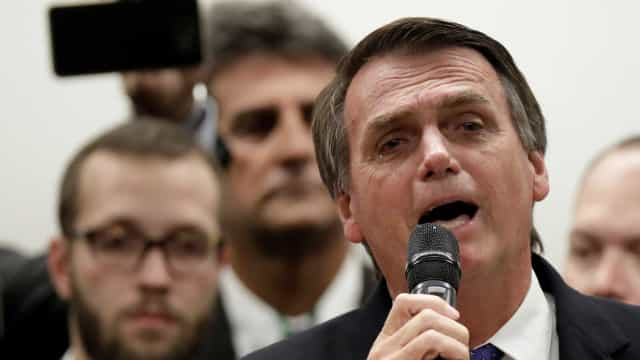 Bolsonaro acusa PT de não querer 'elucidar' tiros contra Celso Daniel