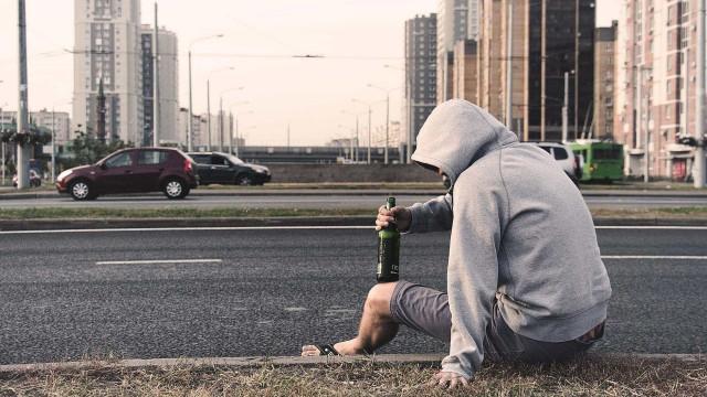 Menores não podem ser autuados se consumo de álcool for na rua