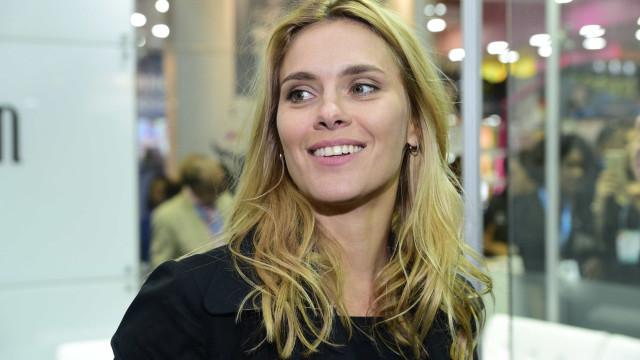 Nos EUA, Carolina Dieckmann diz estar pronta para voltar às novelas