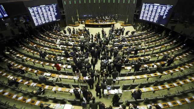 Congresso derruba vetos de Temer e causa impacto de R$ 13 bilhões