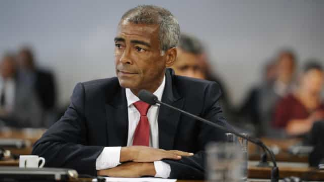 Romário vai ao MP pedir o cancelamento da eleição na CBF