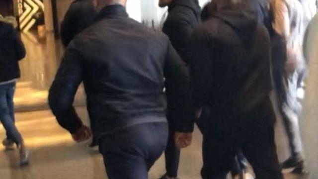 McGregor se entrega à polícia de Nova York após causar confusão