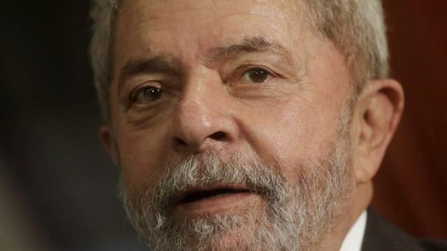 Lula teve café da manhã simples em primeiro dia na prisão