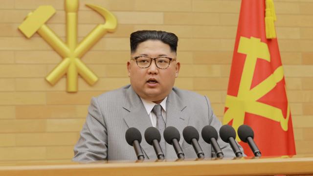 Coreia do Norte declara prontidão para debater desnuclearização com EUA