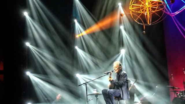 Chico Buarque gravará show de 'Caravanas' ao vivo