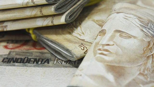 Analistas reduzem previsão de déficit primário para R$ 136,103 bi