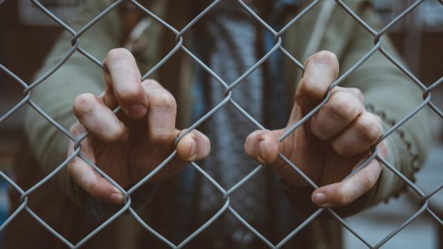 Diretor de cadeia é preso por facilitar transferência em troca de sexo