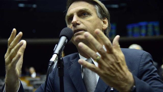 'PGR se presta a papel de viés político', diz Bolsonaro sobre acusação