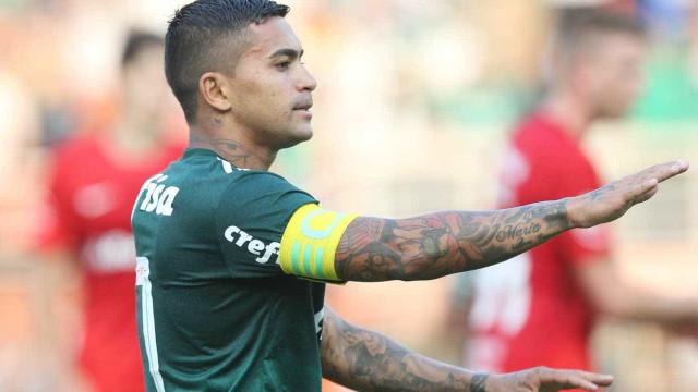 Palmeiras vence o Internacional e conquista 1ª vitória no Brasileirão
