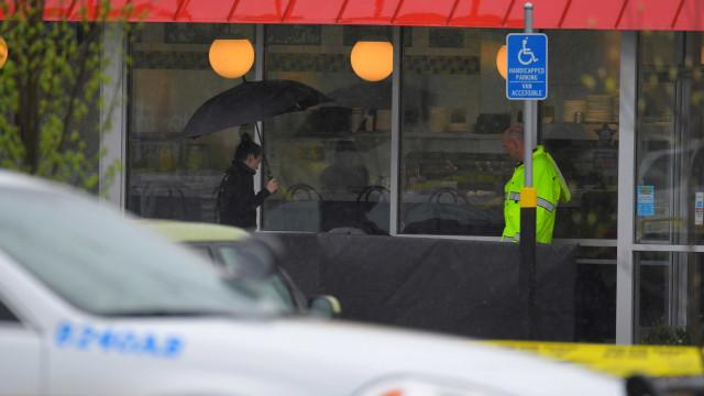 Jovem vira herói após desarmar atirador em restaurante dos EUA