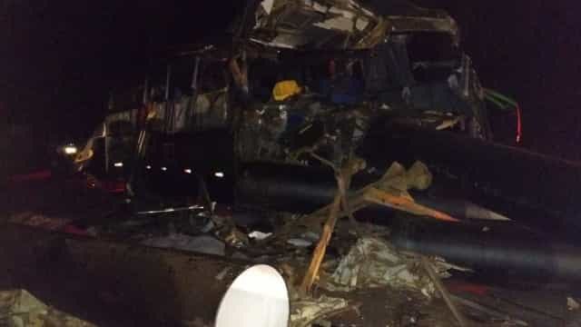 Acidente deixa 8 mortos e 12 feridos na BR-116 em Minas
