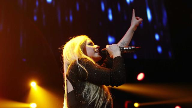 Avril Lavigne anuncia novo disco após cinco anos sem inéditas