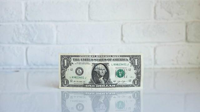 Dólar em alta? Confira seis formas de baratear a compra da moeda