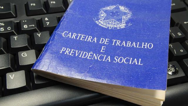 IBGE: desde pico da carteira assinada, foram perdidas 3,967 mi de vagas