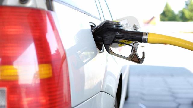 Preço médio da gasolina aumenta e atinge R$ 4,22